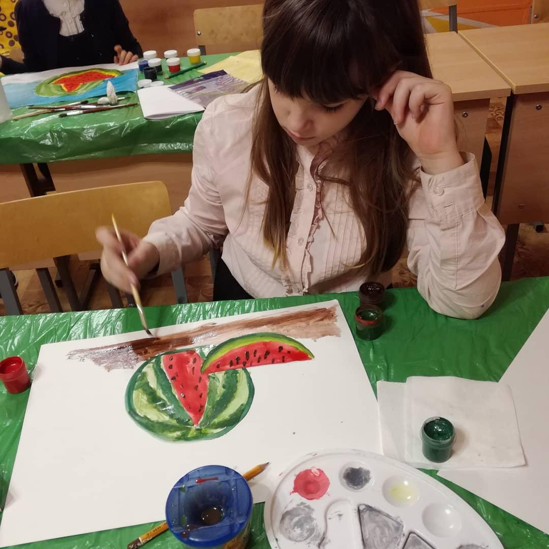 Выставка рисунков кружка художественного творчества