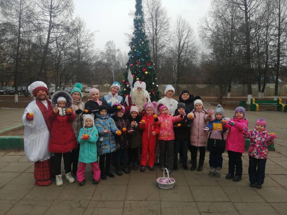 Зимушка-зима пригласила детей на открытие зимнего сезона.
